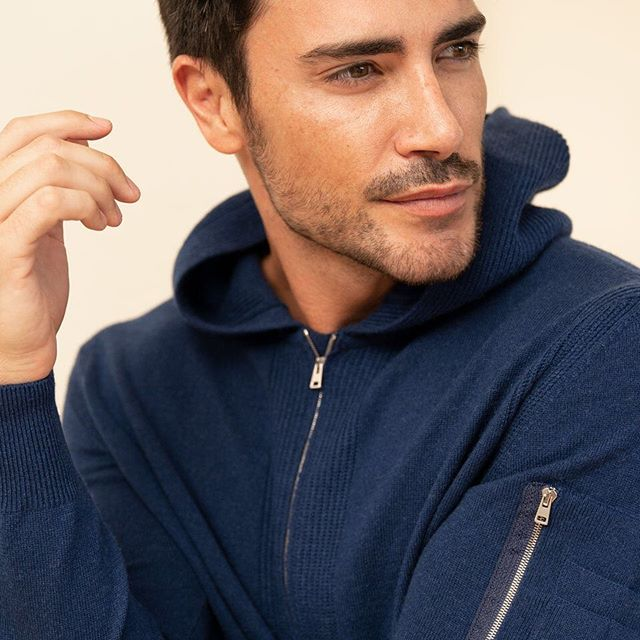 Comfort, style, luxury athleisure are some of the defining characteristics of the Paris hoodie. A 100% cashmere hoodie with our signature rib detail, making it a staple of our debut collection. #madeinitaly