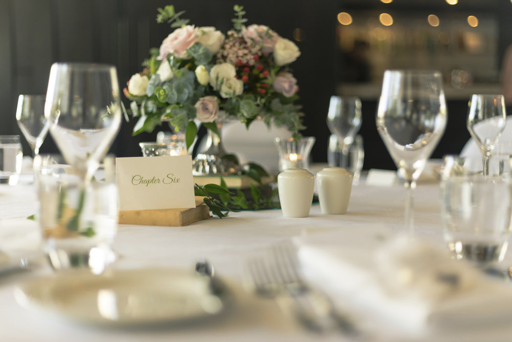 Classic-Wedding-Tablescape