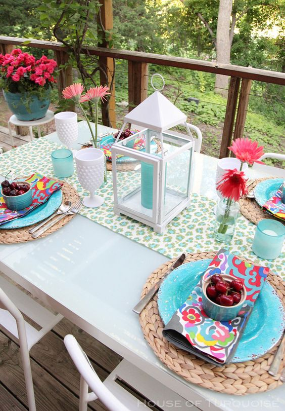 gorgeous-outdoor-table-decor-ideas-attractive-patio-table-decor-ideas-garden-decors.jpg