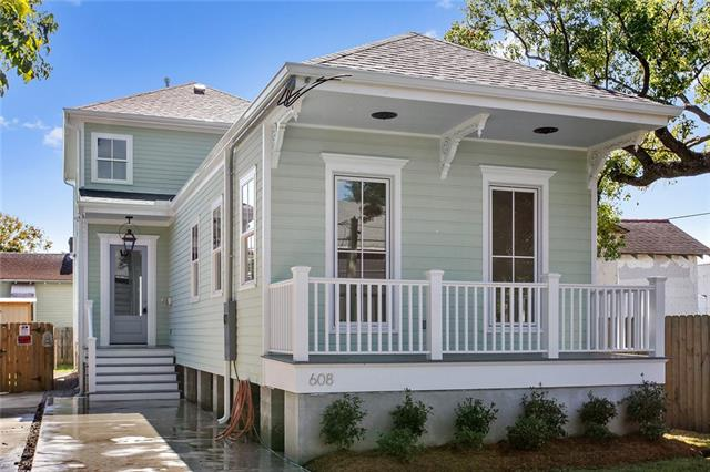 608 David St.  - Located in a developing area, the location still has great access to lots of Mid City conveniences like Bayou St. John and City Park. This is one of my favorite buys on the list.