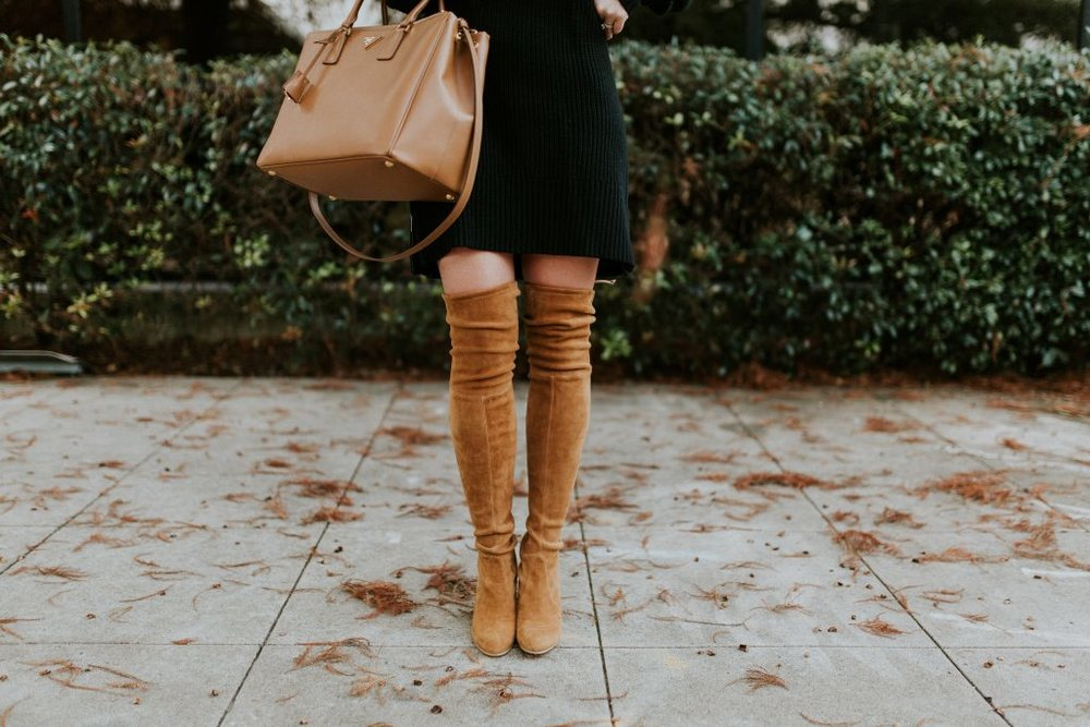 Blogger-Gracefully-Taylored-in-Black-Sweater-Dress-and-Stuart-Weitzman-Boots26-1024x683.jpg