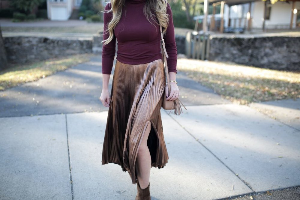 Blogger-Gracefully-Taylored-in-ALC-Metallic-Skirt.jpg