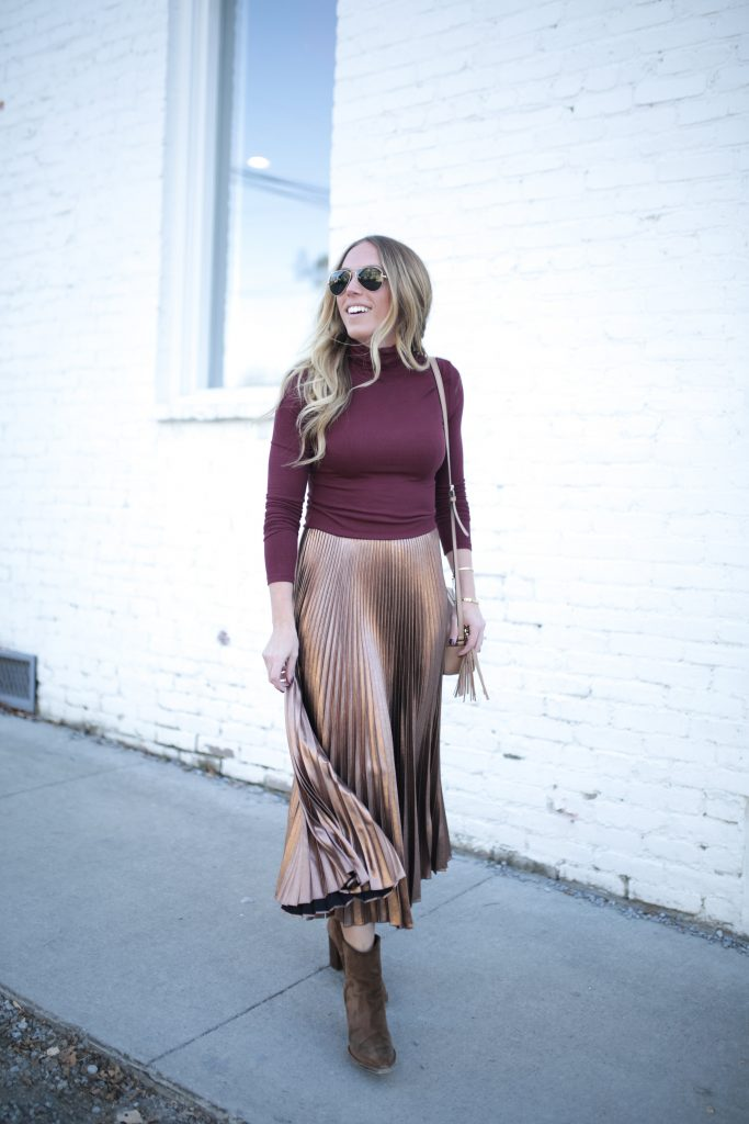 Blogger-Gracefully-Taylored-in-ALC-Metallic-Skirt36-683x1024.jpg
