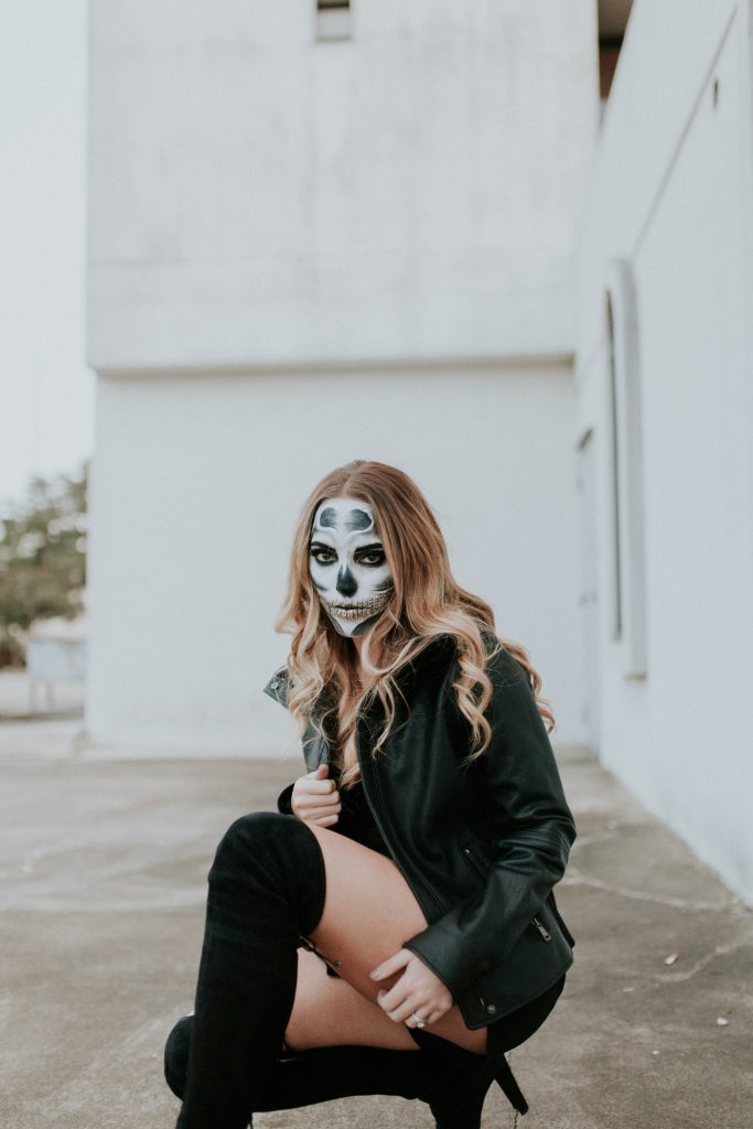 Blogger-Gracefully-Taylored-Halloween8-683x1024.jpg