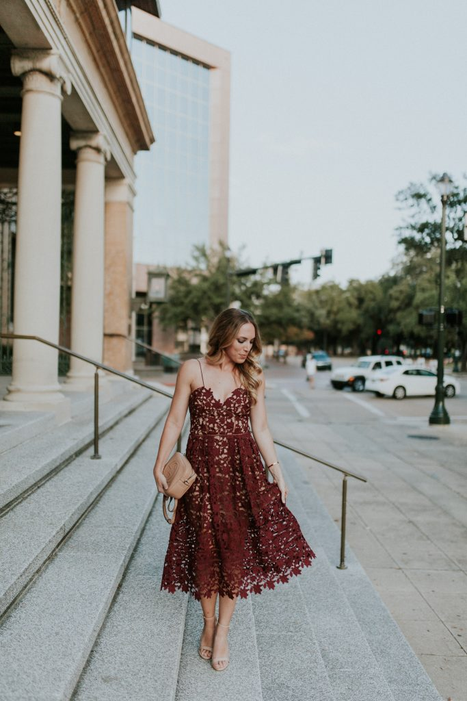 blogger-gracefully-taylored-in-self-portrait-dress13