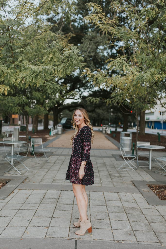 Blogger-Gracefully-Taylored-in-Anthropologie-Dress18-683x1024.jpg