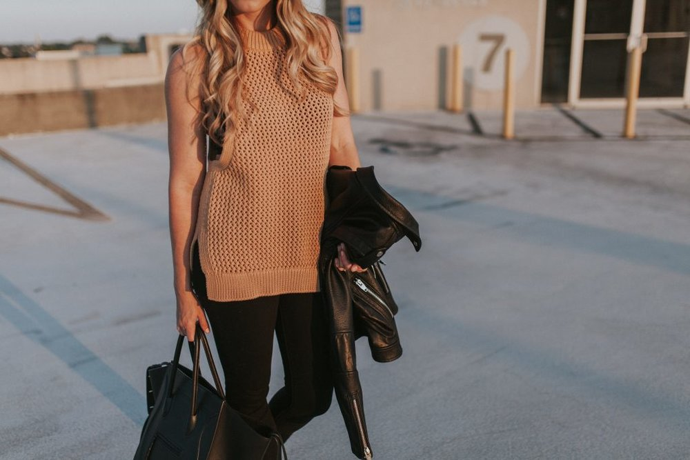 Blogger-Gracefully-Taylored-in-Tibi-Sweater21-1024x683.jpg