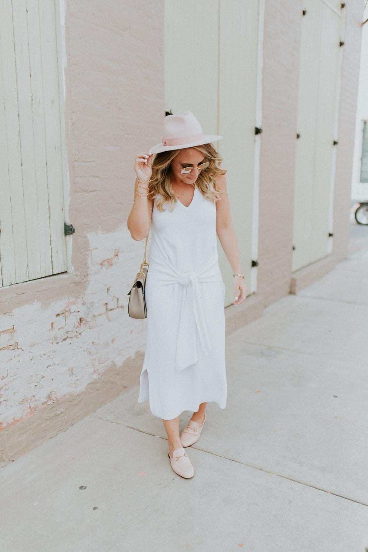 Blogger Gracefully Taylored in Rag & Bone Sweater Dress(7).jpg