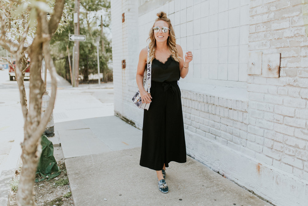 Blogger Gracefully Taylored in Nordstrom Culottes and Steve Madden Slides(3).jpg