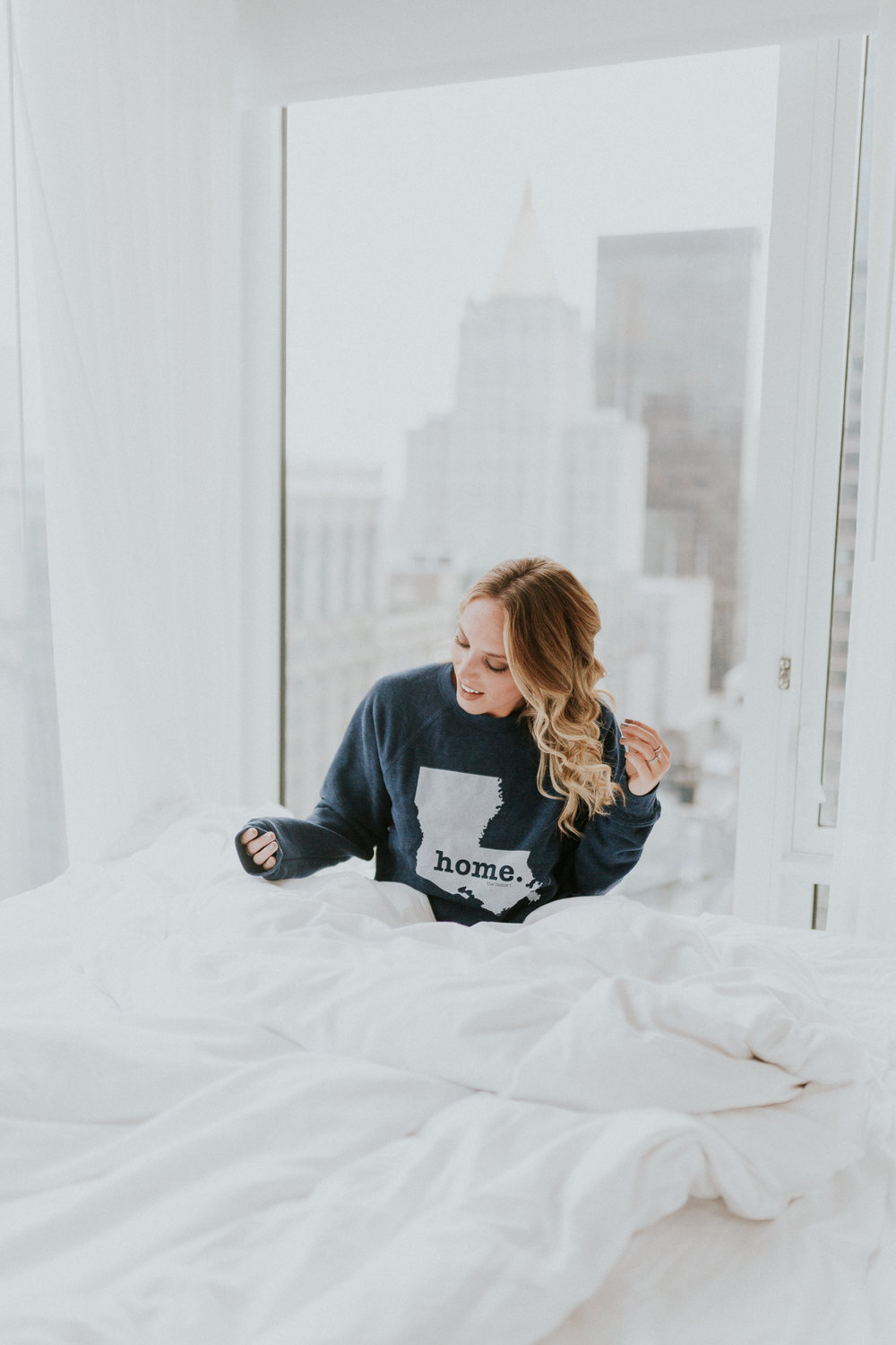 Blogger Gracefully Taylored in The Home T Sweatshirt(1).jpg
