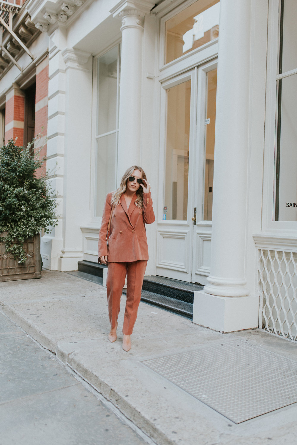 Blogger Gracefully Taylored in Mango Suit(5).jpg