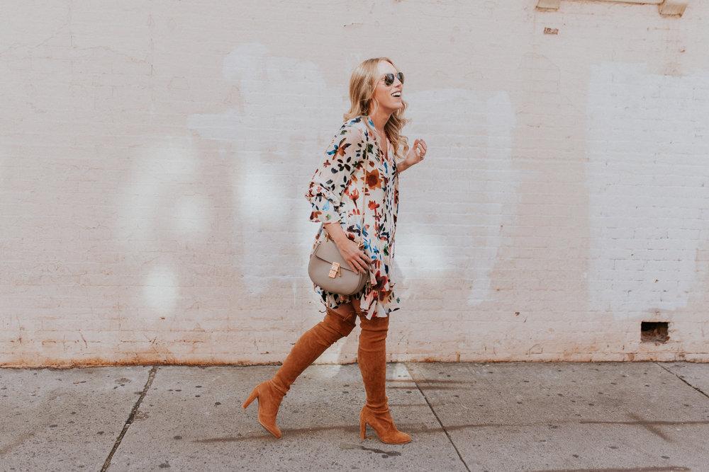 Blogger Gracefully Taylored in Alice & Olivia Dress(2).jpg