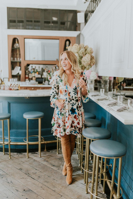 Blogger Gracefully Taylored in Alice & Olivia Dress(17).jpg