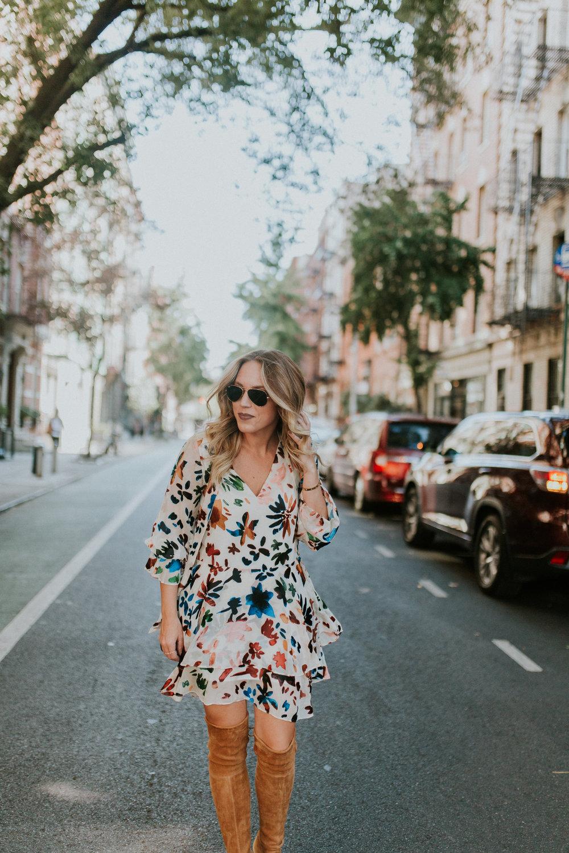 Blogger Gracefully Taylored in Alice & Olivia Dress(8).jpg