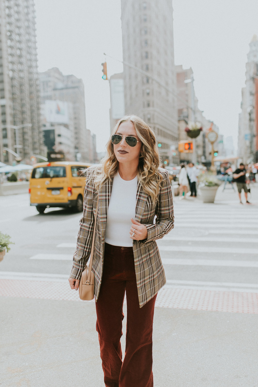 Blogger Gracefully Taylored in Theory Plaid Blazer(5).jpg