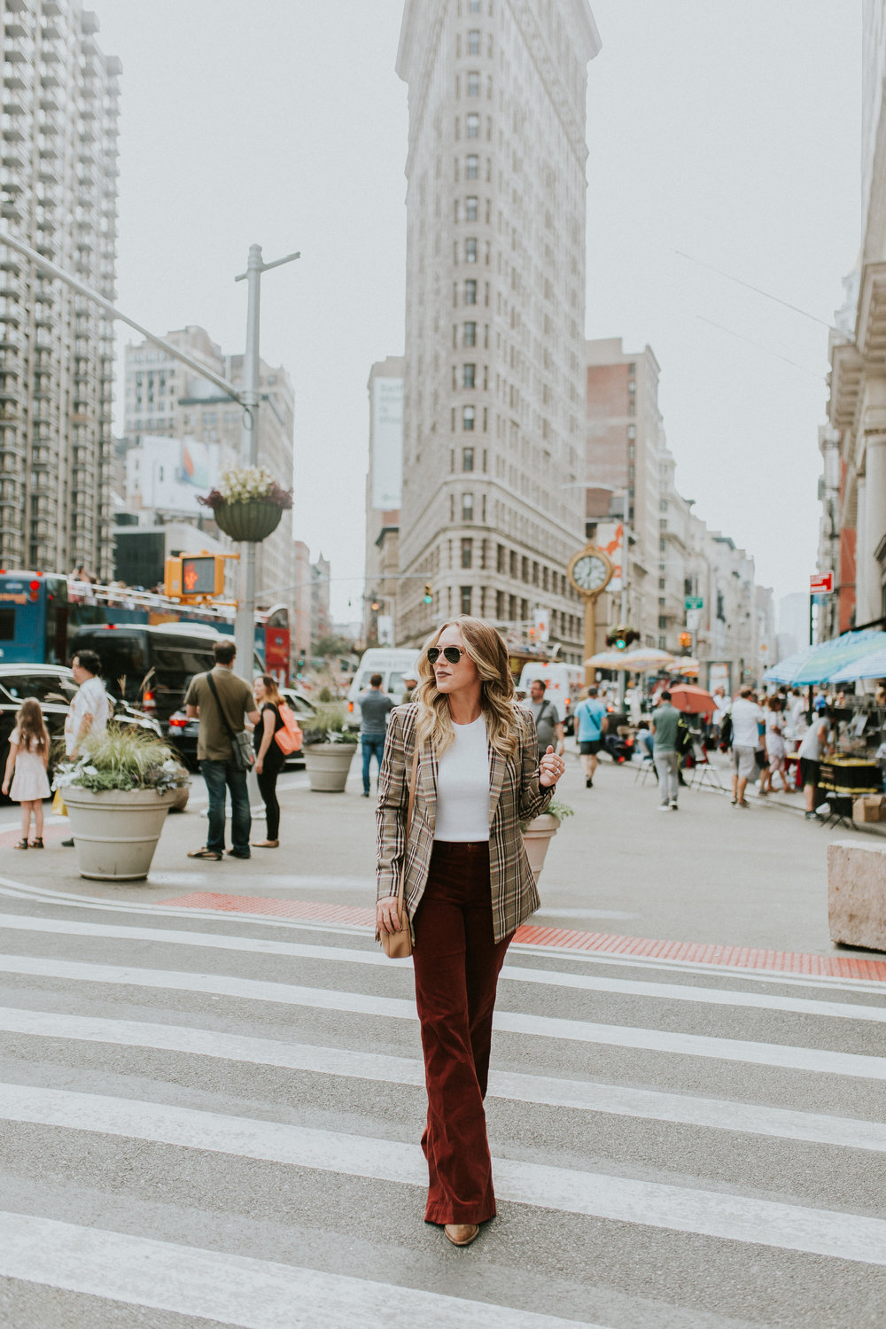 Blogger Gracefully Taylored in Theory Plaid Blazer(9).jpg