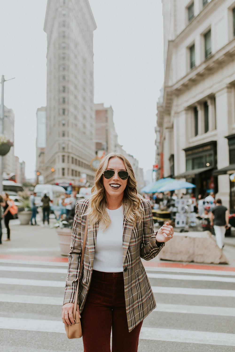Blogger Gracefully Taylored in Theory Plaid Blazer(11).jpg