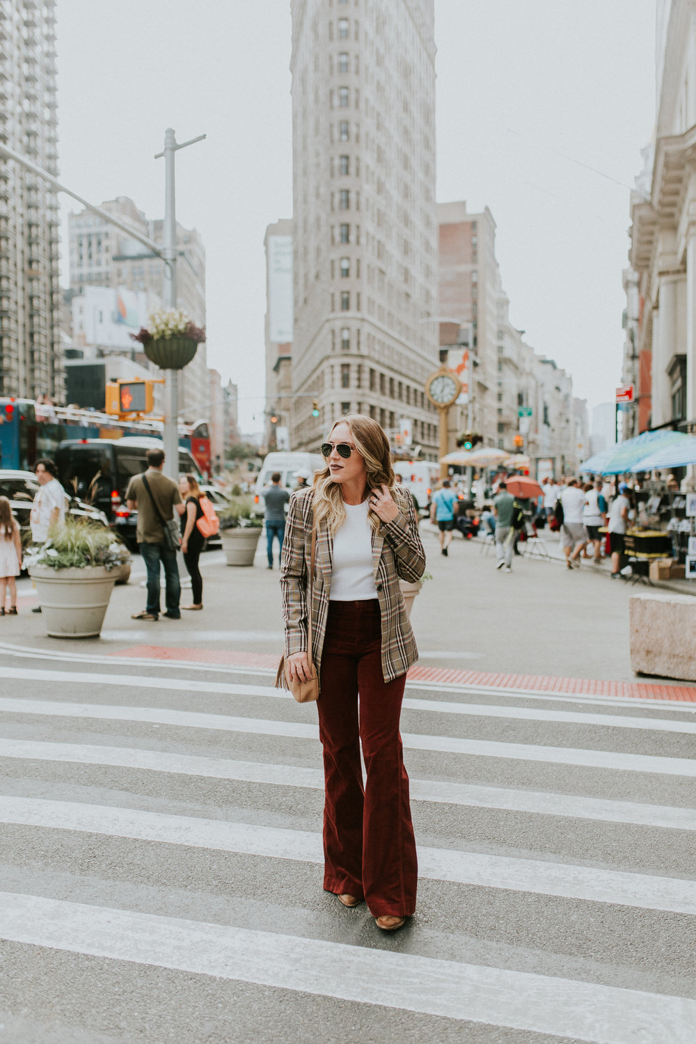 Blogger Gracefully Taylored in Theory Plaid Blazer(10).jpg