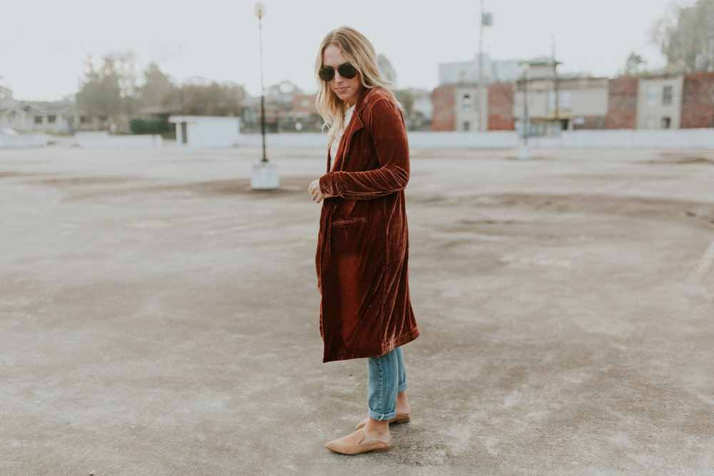 Blogger Gracefully Taylored in Forever 21 Duster(1).jpg