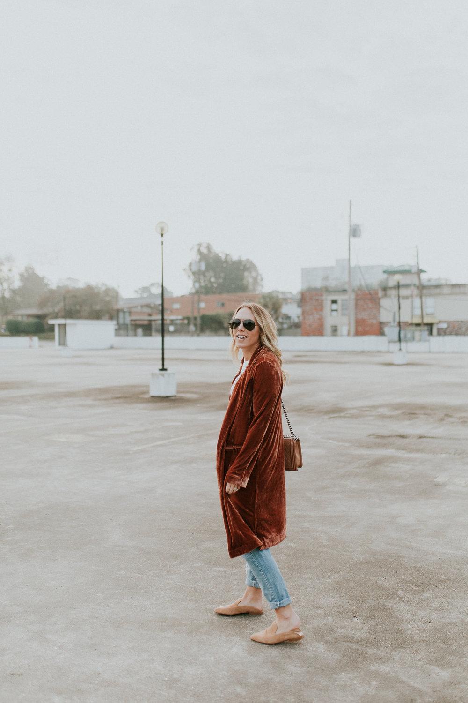 Blogger Gracefully Taylored in Forever 21 Duster(3).jpg