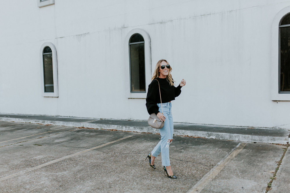 Blogger Gracefully Taylored in Levis and Dee Keller Heels(13).jpg
