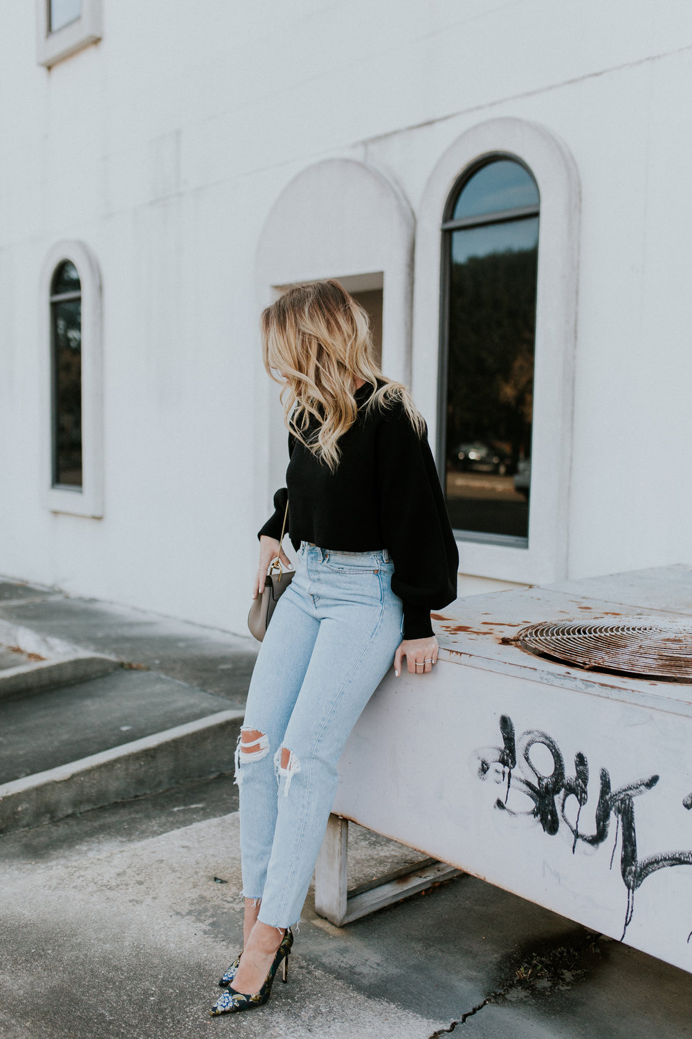Blogger Gracefully Taylored in Levis and Dee Keller Heels(17).jpg