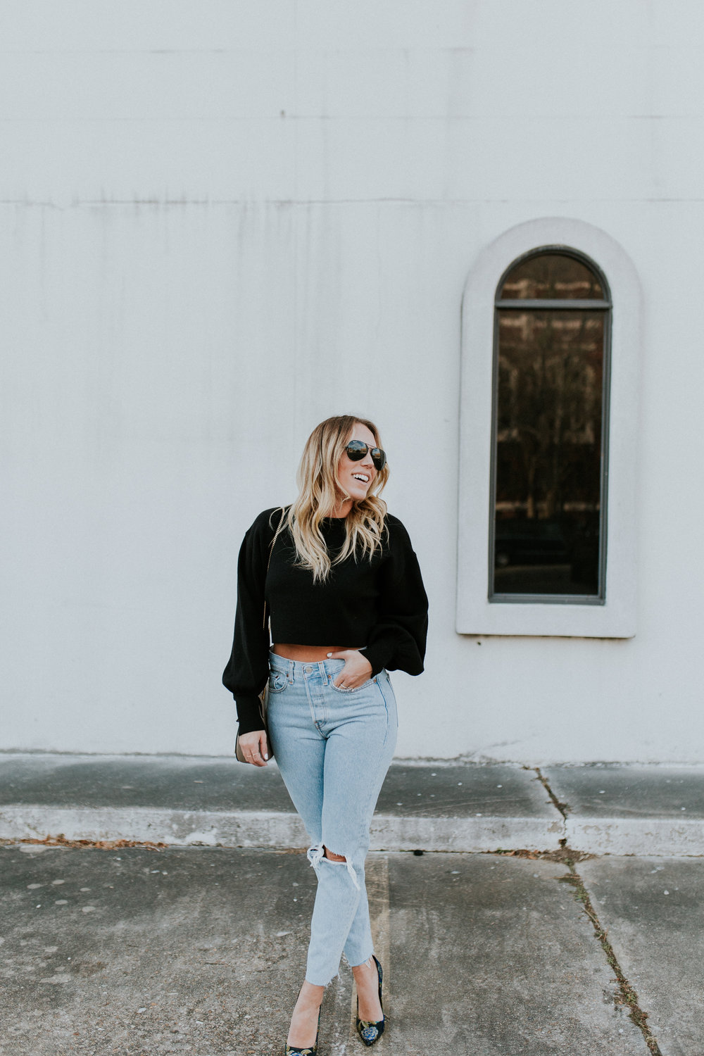 Blogger Gracefully Taylored in Levis and Dee Keller Heels(5).jpg