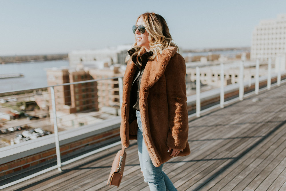 Blogger Gracefully Taylored in Zara Coat and Levis(7).jpg