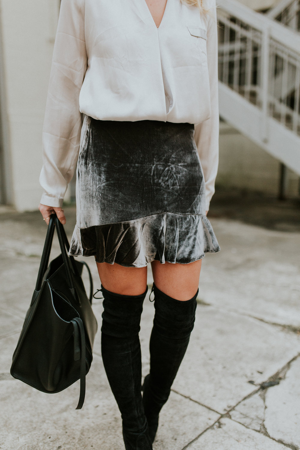Blogger Gracefully Taylored in Madewell Skirt and Stuart Weitzman Boots(11).jpg