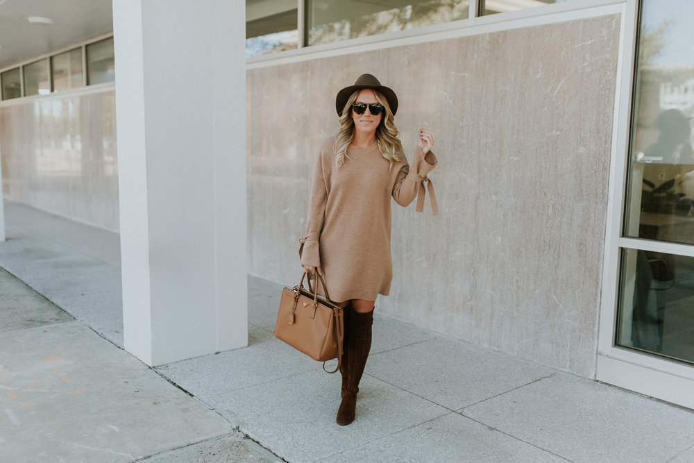 Blogger Gracefully Taylored in Madewell Sweater Dress(1).jpg
