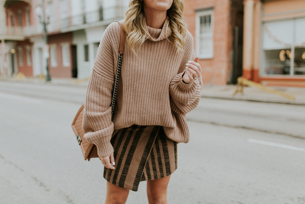 Blogger Gracefully Taylored in Free People Sweater & Skirt(13).jpg