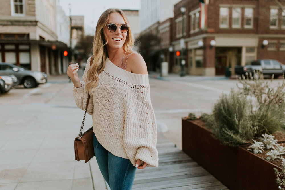 Blogger Gracefully Taylored in Free People Sweater & Bralette(1).jpg