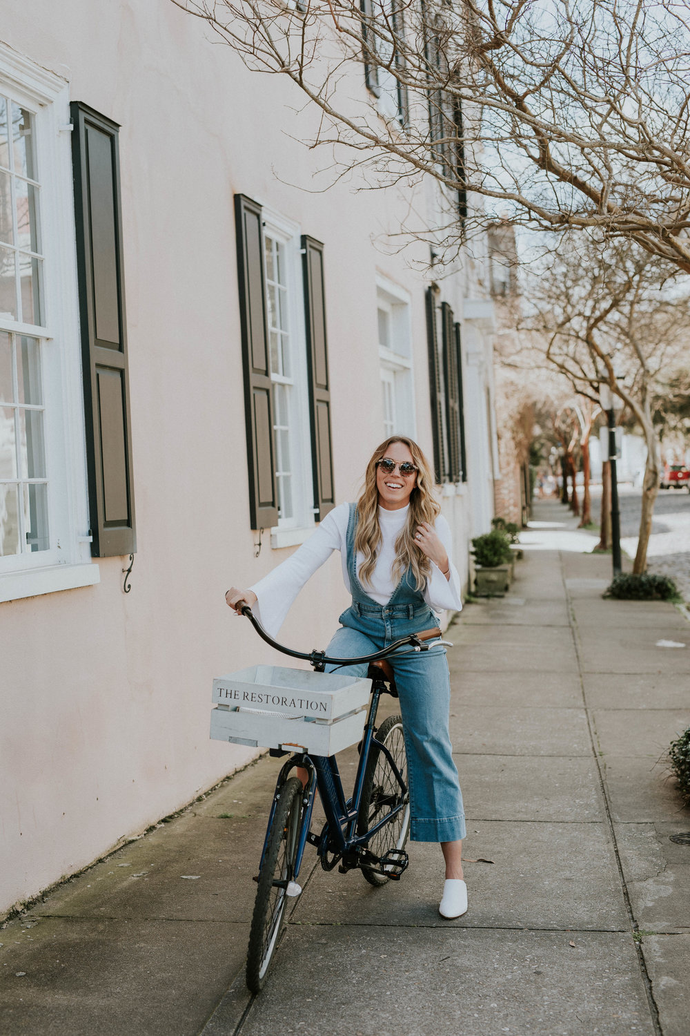 Blogger Gracefully Taylored in Free People Overalls(1).jpg