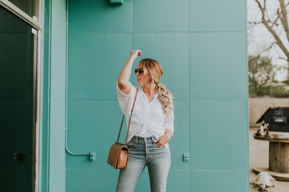 Blogger Gracefully Taylored in Free People Top, Levis and Chinese Laundry Booties(11).jpg
