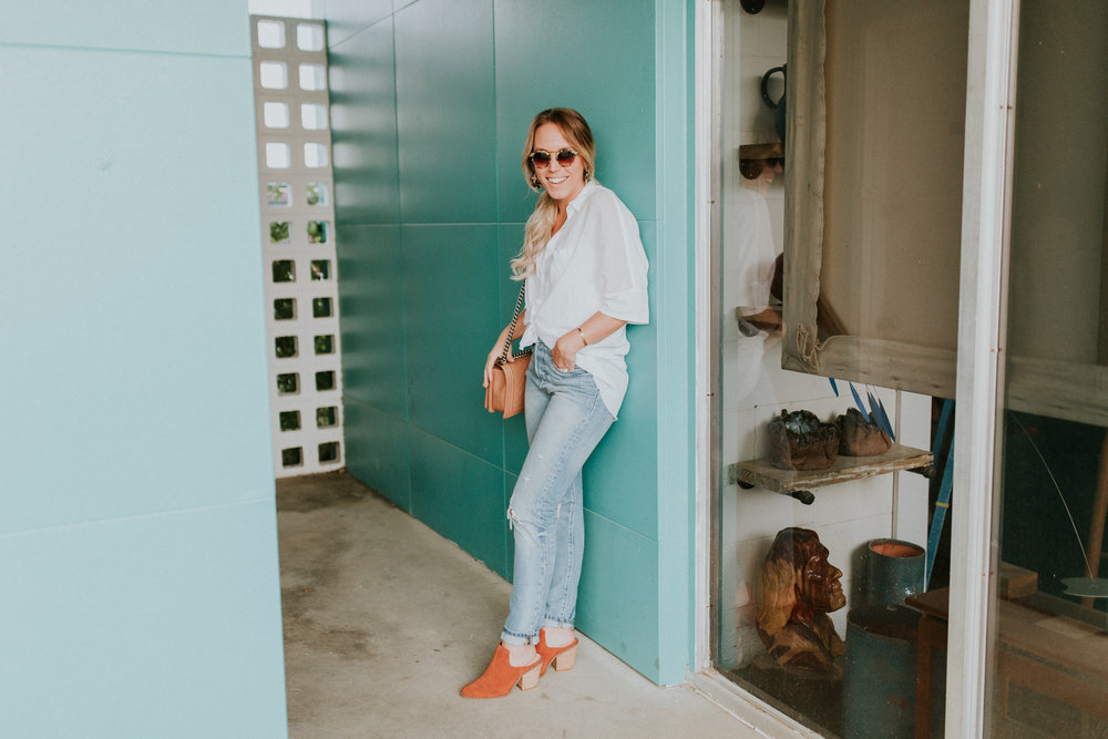 Blogger Gracefully Taylored in Free People Top, Levis and Chinese Laundry Booties(1).jpg