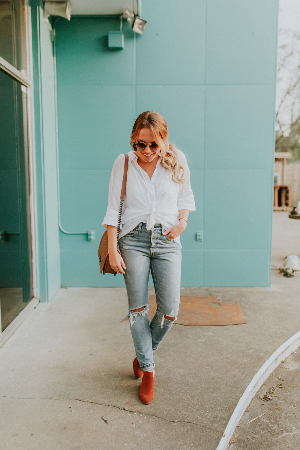 Blogger Gracefully Taylored in Free People Top, Levis and Chinese Laundry Booties(8).jpg