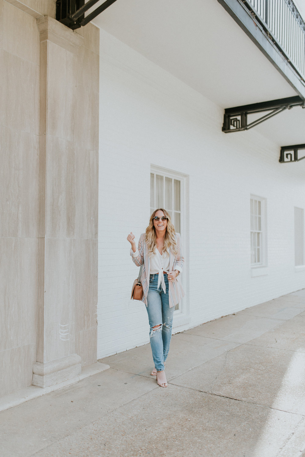 Blogger Gracefully Taylored in Free People Blazer & Levis(15).jpg