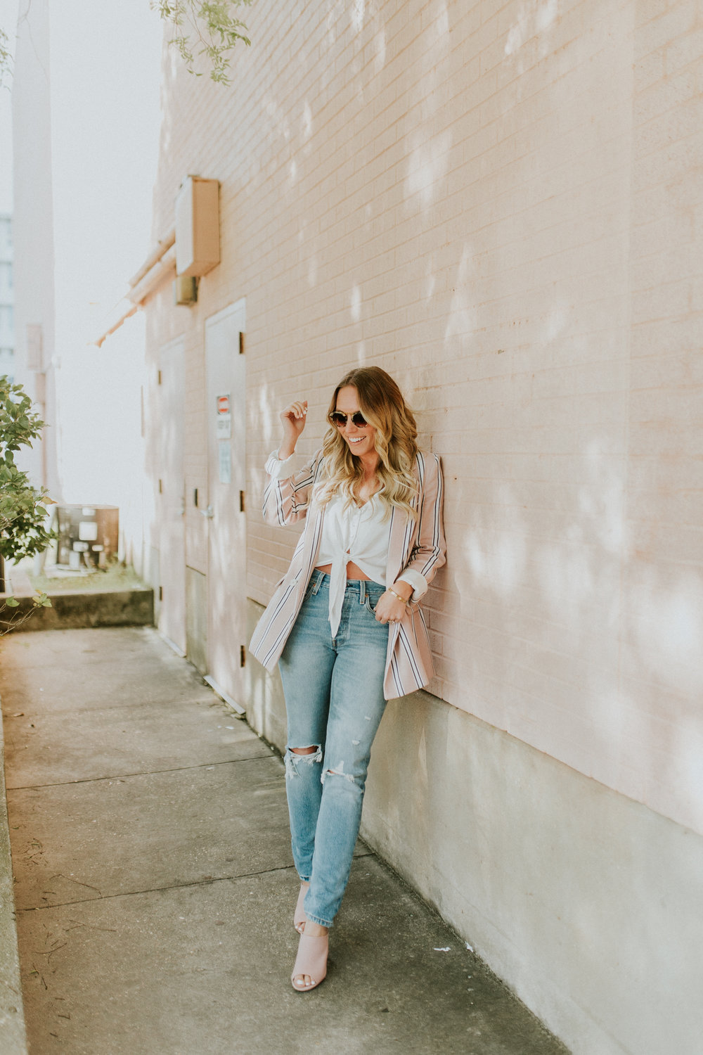Blogger Gracefully Taylored in Free People Blazer & Levis(8).jpg