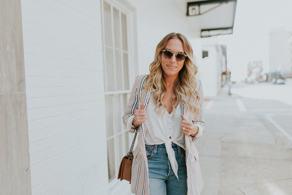Blogger Gracefully Taylored in Free People Blazer & Levis(14).jpg