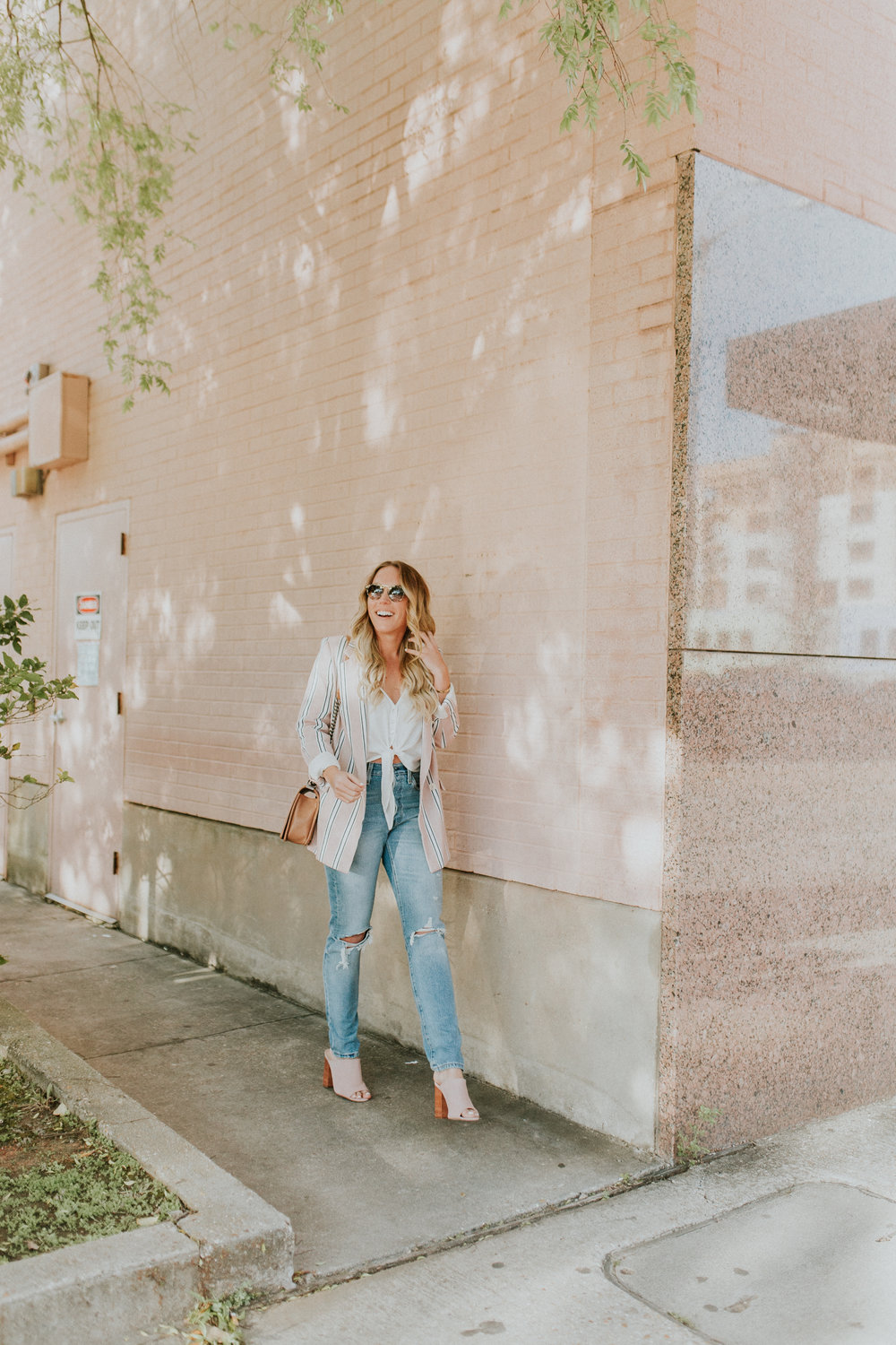 Blogger Gracefully Taylored in Free People Blazer & Levis(10).jpg