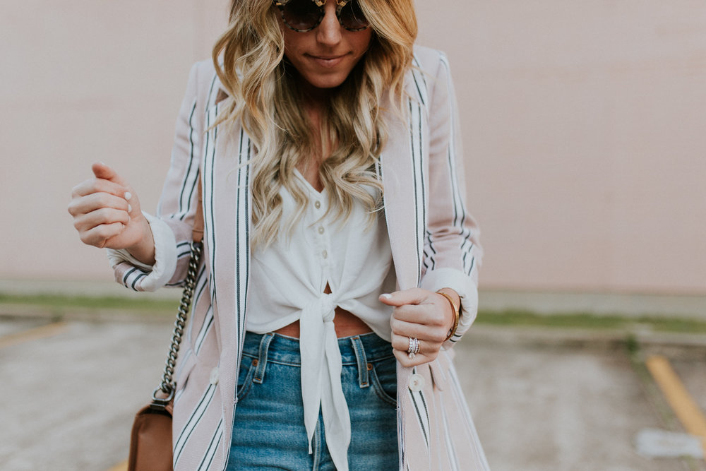 Blogger Gracefully Taylored in Free People Blazer & Levis(5).jpg