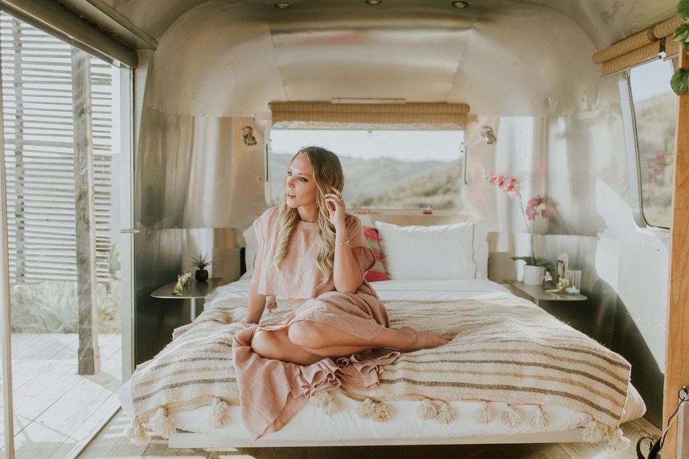 Blogger Gracefully Taylored at Malibu Airbnb(2).jpg