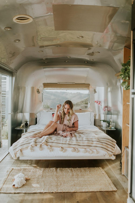 Blogger Gracefully Taylored at Malibu Airbnb(4).jpg