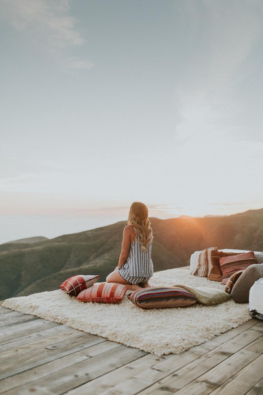 Blogger Gracefully Taylored at Malibu Airbnb(12).jpg