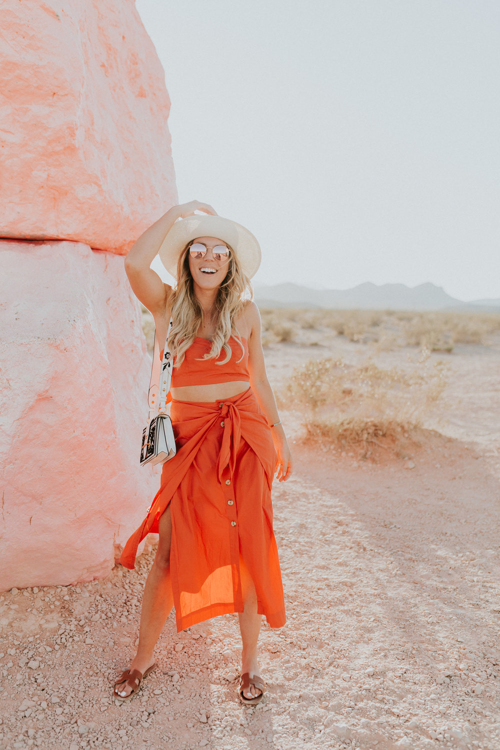 Blogger Gracefully Taylored in Free People at Seven Magic Mountains(23).jpg