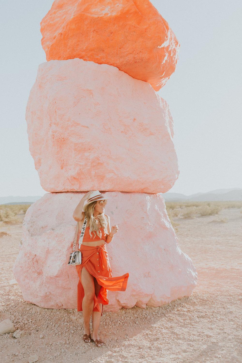 Blogger Gracefully Taylored in Free People at Seven Magic Mountains(16).jpg