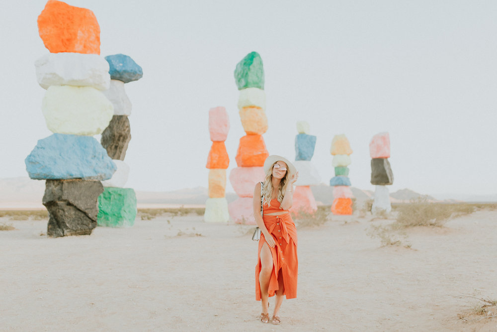 Blogger Gracefully Taylored in Free People at Seven Magic Mountains(41).jpg
