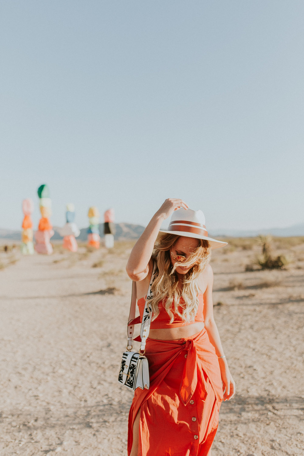 Blogger Gracefully Taylored in Free People at Seven Magic Mountains(3).jpg