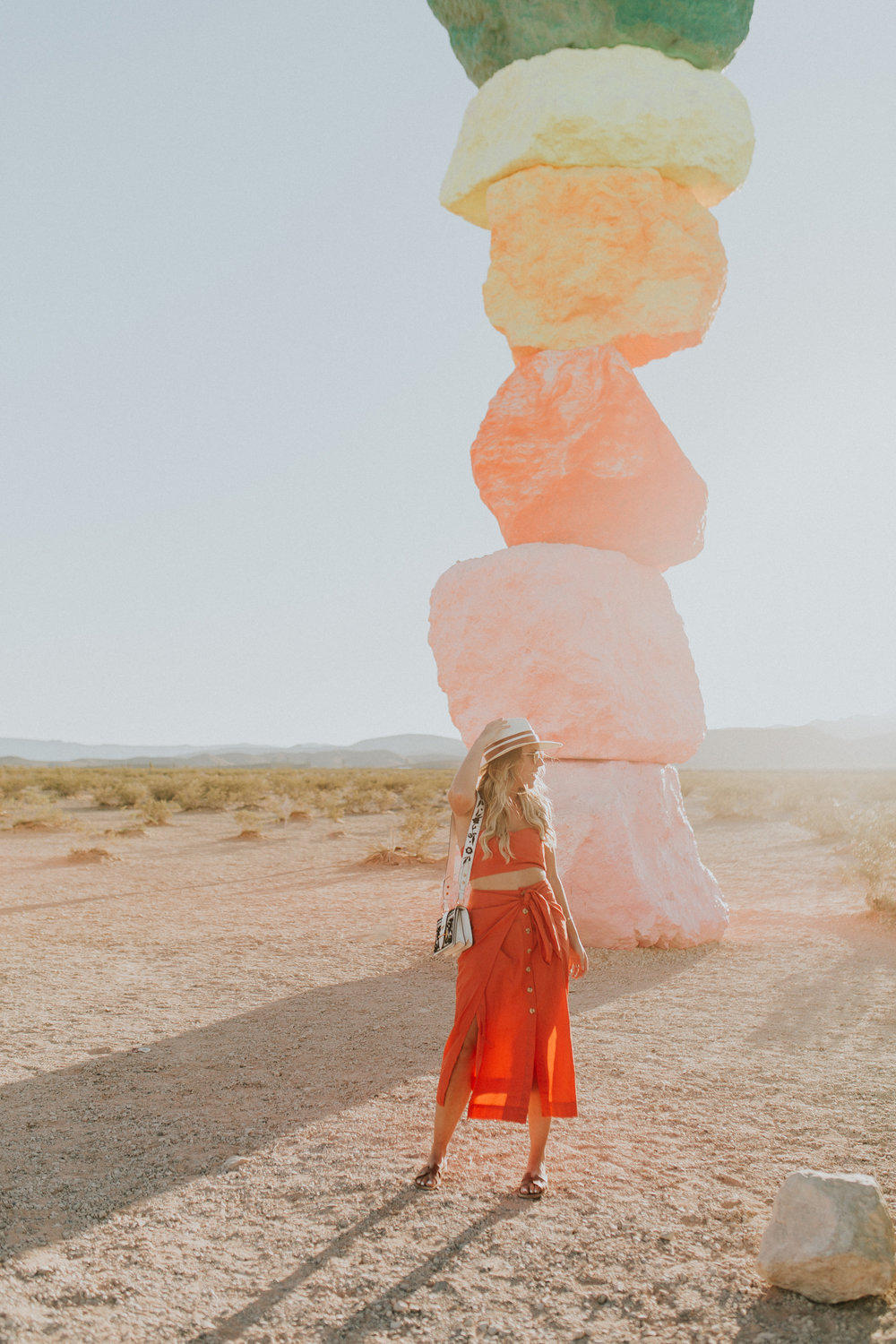 Blogger Gracefully Taylored in Free People at Seven Magic Mountains(7).jpg
