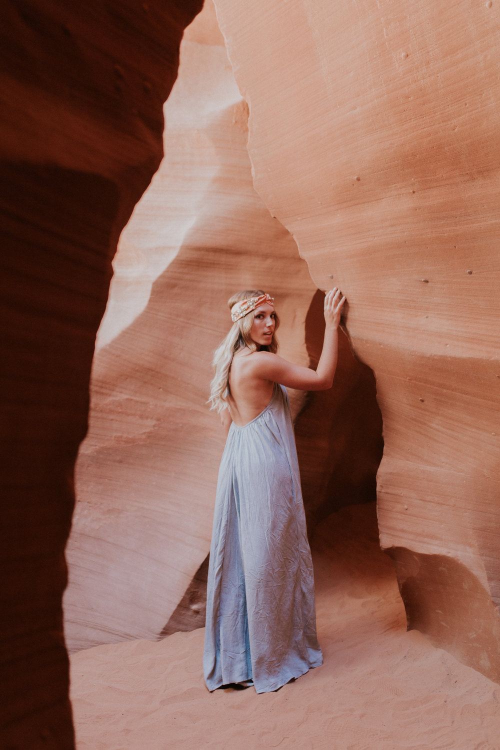 Blogger Gracefully Taylored in Vici Dolls at Antelope Canyon(21).jpg